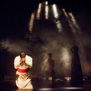 Le Porteur d'Histoire, de et mis en scène par Alexis Michalik, Théâtre des Béliers Parisiens
