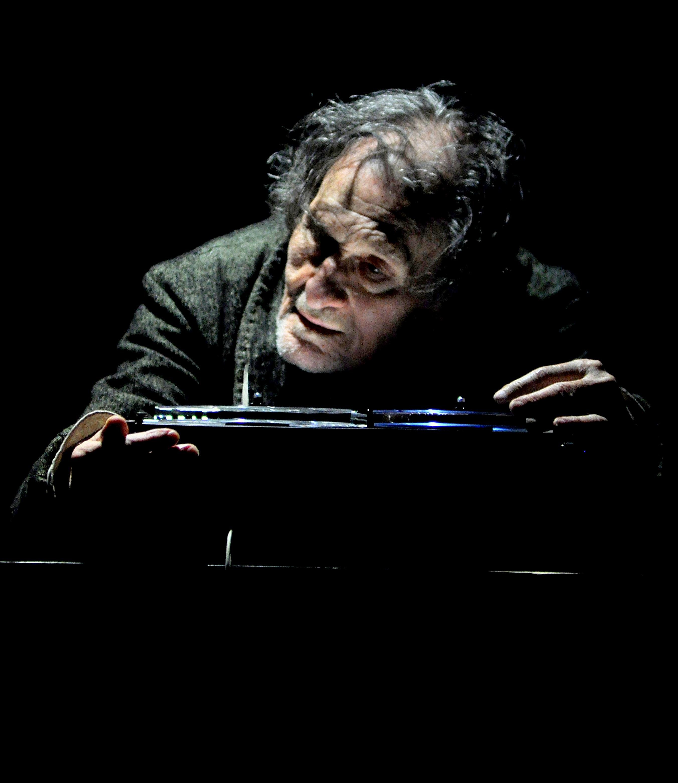 Critique . « La dernière bande».De Samuel Beckett avec Serge Merlin. Au Théâtre de l'œuvre
