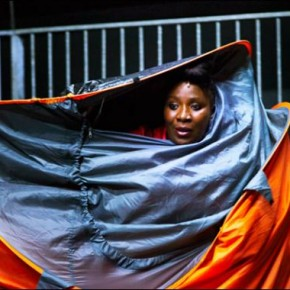 Critique • « In a world full of butterflies… » de Robyn Orlin au théâtre de la Bastille