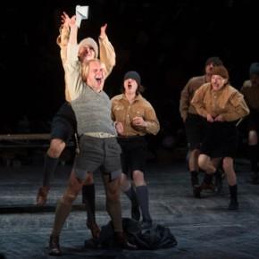 Critique ・ «Seul dans Berlin», mise en scène de Luk Perceval au Théâtre des Amandiers