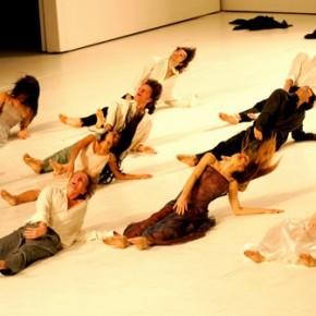 « Pour les enfants d'hier, d'aujourd'hui et de demain », mise en scène & chorégraphe Pina Bausch, au Théâtre de la Ville