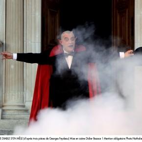 « Quand le diable s'en mêle » de Georges Feydeau, Mise en scène de Didier Bezace, Les Fêtes Nocturnes / Château de Grignan.