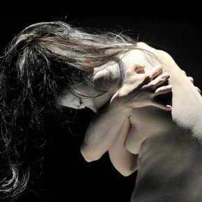 « Utt » chorégraphie de Ko Murobushi, direction artistique de Carlotta Ikeda, Maison de la Culture du Japon à Paris