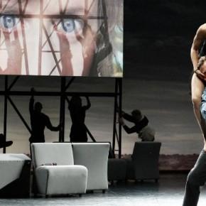 « Complexity of Belonging » de Falk Richter, Anouk van Dijk et Chunky Move, au Théâtre de Chaillot
