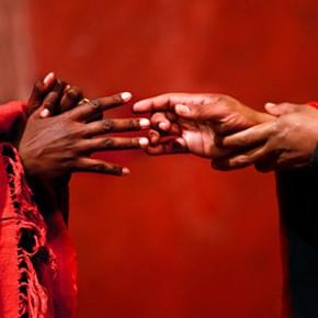 « Battlefield », adaptation et mise en scène de Peter Brook et Marie-Hélène Estienne, au Théâtre de Bouffes du Nord