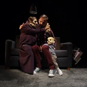 « Fastoche » de Laura Sillanpää, Mise en scène de Pierre Tual et Yngvild Aspeli. Festival des Théâtres de la Marionnette