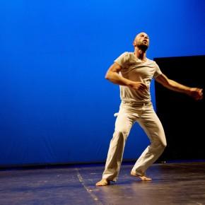 Bound, mise en scène de Steve Paxton avec Jurij Konjar au théâtre des Abbesses