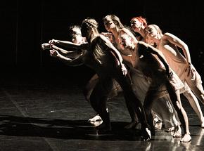 « Retour à Berratham », mise en scène d'Angelin Preljocaj, au théâtre de Chaillot
