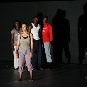 « J'ai arrêté de croire au futur… » d'Andréya Ouamba, au théâtre des Abbesses