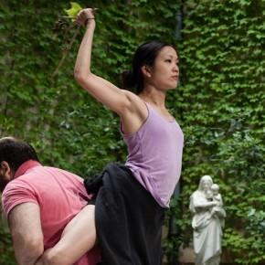 Religieuse à la Fraise, Kaori Ito & Olivier Martin-Salvan, Le Monfort Théâtre, Festival (Des)Illusions