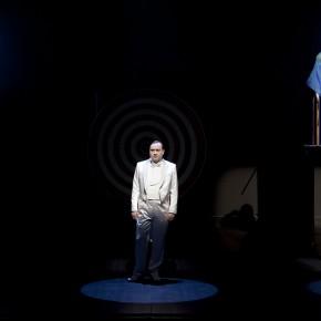Par-delà les marronniers, revu(e), de Jean-Michel Ribes, au Théâtre du Rond-Point
