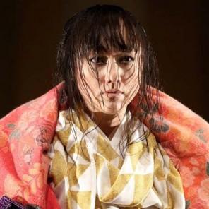 AOI, Yesterday's glory is today's dream, d'après Zeami, mise en scène et chorégraphie de Mié Coquempot