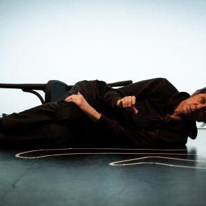 Toute ma vie, j'ai fait des choses que je savais pas faire, de Rémi De Vos, mise en scène de Christophe Rauck, Théâtre du Rond-Point