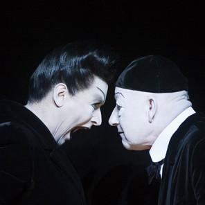 L'Opéra de quat'sous, de Robert Wilson et Kurt Weill, au théâtre des Champs-Elysées