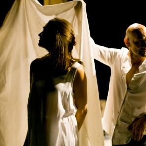 Le Relèvement de l'Occident : blancrougenoir, par la Compagnie de Koe, Théâtre de la Bastille / Festival d'Automne à Paris