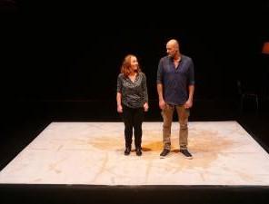 Ma Mère m'a fait les poussières, d'après Psaumes Balbutiés d'Erwin Mortier, mise en scène de Philippe Awat et Guillaume Barbot, au Théâtre de Belleville