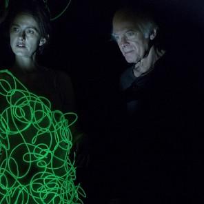 La Rive dans le noir, une performance de ténèbres, de Pascal Quignard, au 104