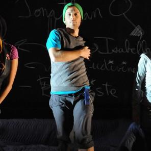 S'embrasent de Luc Tartar, mise en scène d'Eric Jean, troupe du Théâtre Bluff, Théâtre Paris-Villette