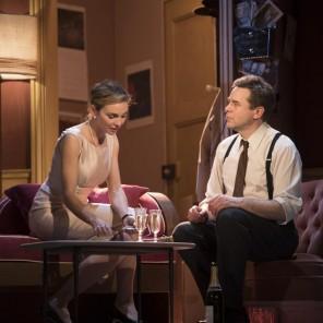 La garçonnière, de Billy Wilder et I.A.L. Diamond, mise en scène José Paul au Théâtre de Paris.