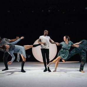 Everyness, chorégraphie Honji Wang et Sébastien Ramirez, à la Villette.