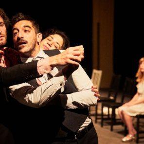 Claire, Anton et Eux, mise en scène François Cervantes, au Gymnase du Lycée Saint-Joseph, Festival d'Avignon In