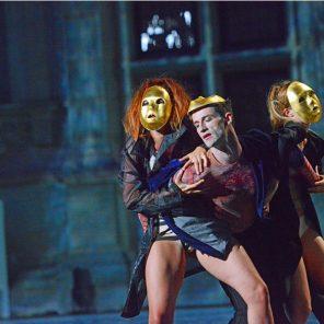Lorenzaccio d'Alfred de Musset, mise en scène de Marie-Claude Pietragalla, Daniel Mesguich et Julien Derouault, Château de Grignan / Les Fêtes Nocturnes