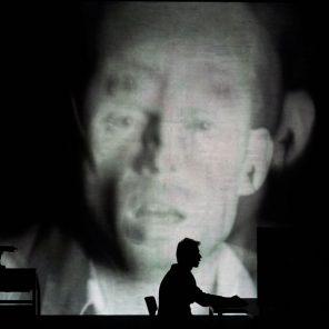Le sec et l'humide, de Jonathan Littell, mise en scène par Guy Cassiers, à L'Autre scène du Grand Avignon – Vedène, Festival d'Avignon In