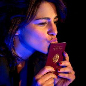 Je Change de file, de Sarah Doraghi, mise en scène de Isabelle Nanty et Sharzad Doraghi - Karila, au Théâtre du Chêne Noir, Festival d'Avignon Off