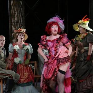 La Dame de chez Maxim… Ou presque! de Feydeau / Offenbach, mise en scène de Vincent Goethals au Théâtre du Peuple de Bussang