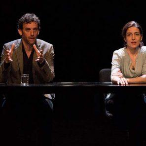 Je t'écris mon amour, de Emmanuel Darley, mis en scène par Jean De Pange, à la Caserne des Pompiers, Festival d'Avignon Off.