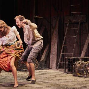 Les Fourberies de Scapin, de Molière, mise en scène de Denis Podalydès, à la Comédie-Française