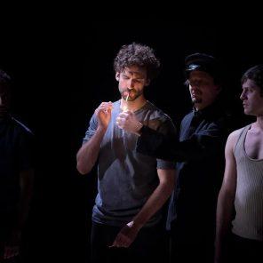 Haute surveillance, de Jean Genet, mise en scène Cédric Gourmelon, Comédie Française Studio-Théâtre