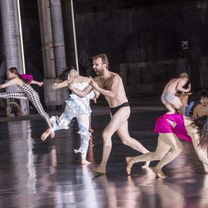10000 gestes, chorégraphie de Boris Charmatz, Théâtre national de la danse de Chaillot / Festival d'Automne à Paris