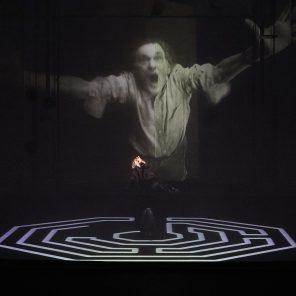 Hamlet - Je suis vivant et vous êtes morts, conception et mise en scène de Wilfried Wendling, M.A.C de Créteil