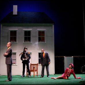 La cantatrice chauve, d'Eugène Ionesco, mise en scène de Jean-Luc Lagarce, à l'Athénée Théâtre Louis-Jouvet