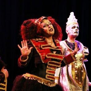 Cirque plein d'airs, création des Caramels Fous, livret d'Antony Puiraveaud, mise en scène de Stephan Druet, Théâtre le 13ème Art