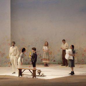 Un mois à la campagne, d'Ivan Tourgueniev, mise en scène d'Alain Françon, au Théâtre Dejazet