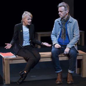 Coupes Sombres, de Guy Zilberstein, mise en scène Anne Kessler, au Théâtre du Rond-Point
