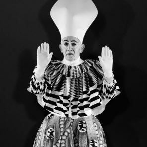 Elle de Jean Genet, mise en scène d'Alfredo Arias, à l'Athénée/Théâtre Louis-Jouvet