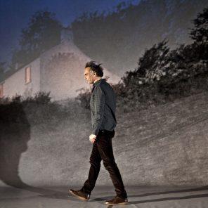 Un métier idéal, de Nicolas Bouchaud, d'après le livre de John Berger et Jean Mohr, mise en scène d'Eric Didry, au Théâtre du Rond-Point, Paris
