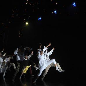 Show, chorégraphie de Hofesh Schechter, au Théâtre des Abbesses
