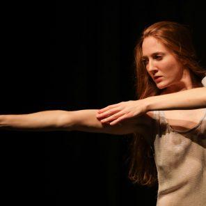 Nefès, une pièce de Pina Bausch, Théâtre des Champs-Elysées / Théâtre de la Ville-hors-les-murs