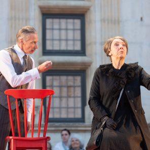 Noces de sang, de Federico Garcia Lorca, mise en scène de Vincent Goethals, au Château de Grignan / Fêtes Nocturnes