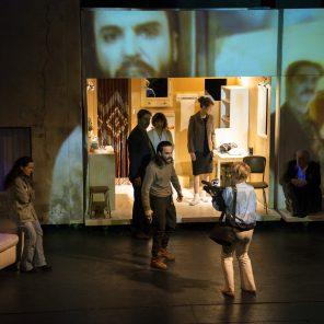 Le dernier jour du jeûne / L'envol des cigognes, texte et mise en scène de Simon Abkarian, au Théâtre du Soleil, Cartoucherie de Vincennes