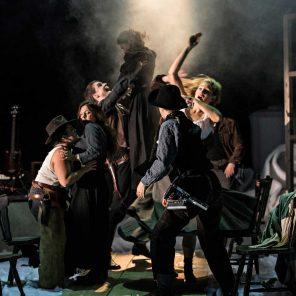 Western, mise en scène de Mathieu Bauer, au Nouveau Théâtre de Montreuil