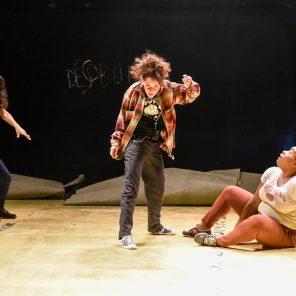 Désobéir, mise en scène de Julie Berès, au Théâtre de la Cité Internationale