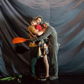 Tristesse et joie dans la vie des girafes, de Tiago Rodrigues, mise en scène Thomas Quillardet, La Villette, Grande Halle