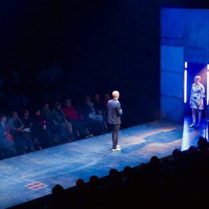 Le chien, la nuit et le couteau, de Marius von Mayenburg, mis en scène par Louis Arene au Théâtre du Monfort