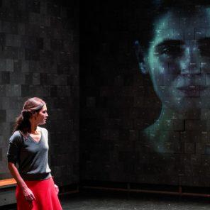 Insoutenables longues étreintes, texte de Ivan Viripaev, mise en scène de Galin Stoev, au Théâtre de la Colline