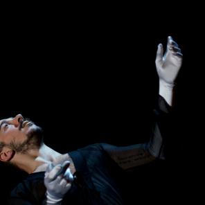 The generosity of Dorcas, mise en scène de Jan Fabre, au Théâtre de la Bastille